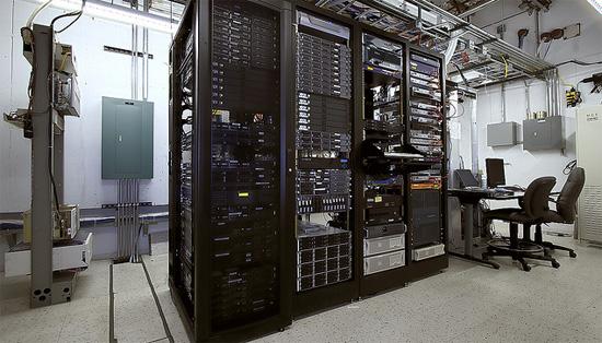 Серверная в хорошем датацентре