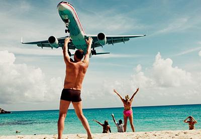 Слетать в бизнес-тур и полежать на пляже