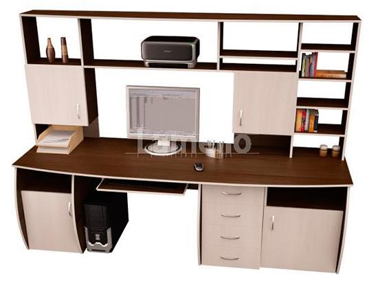 Компьютерный стол для фрилансера