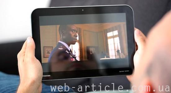просмотр фильма на планшете