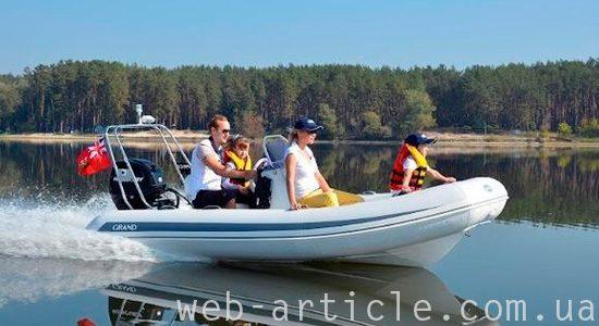 надувная лодкиа для прогулки